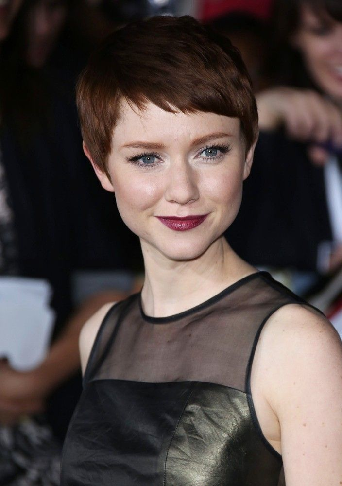 Valorie Curry Picture 1