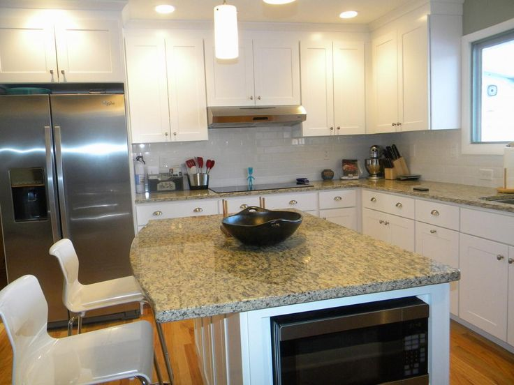 Modern kitchen with WOLF Classic Cabinets in Dartmouth White - 37 Best WOLF Classic Cabinets Images On Pinterest Classic