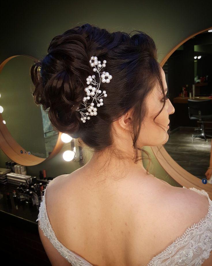 Romantik gelin saçı http://www.basakkuaformakyaj.com