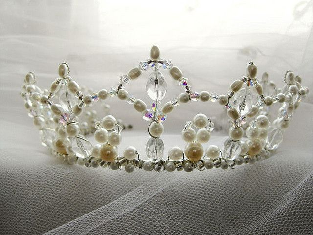 Wire Crowns | Recent Photos The Commons Getty Collection Galleries World  Map App ..