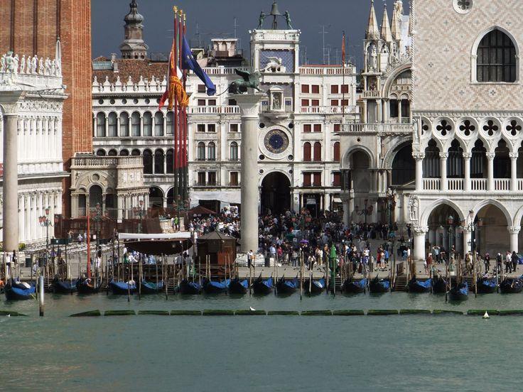 Vista del Piazza San Marco dalla ponte di Costa Favolosa / View of St. Mark's Square from the deck of Costa Favolosa. (24 luglio 2011)
