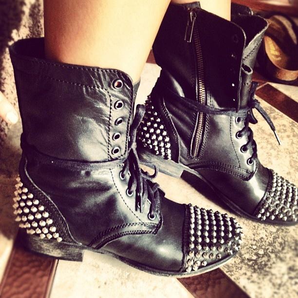 @danielapusateri - Steve Madden TARNNEY #spikes #studs #boots