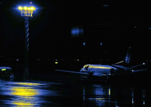 Air New Zealand SAAB-340 at a wet Auckland Airport 2005. Image via Flickr