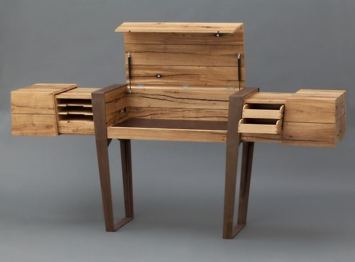 This wooden desk with all its elegant hidden drawers inside, is the creation of Simon Schacht for his master craftsman diploma. Photos by Wolfgang Pulfer.