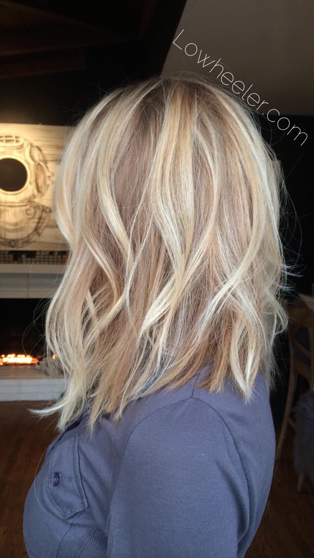 Long bob blonde Balayage ombré colormelt by Lo Wheeler. Instagram @lowheeler_hairtherapy . Lowheeler.com