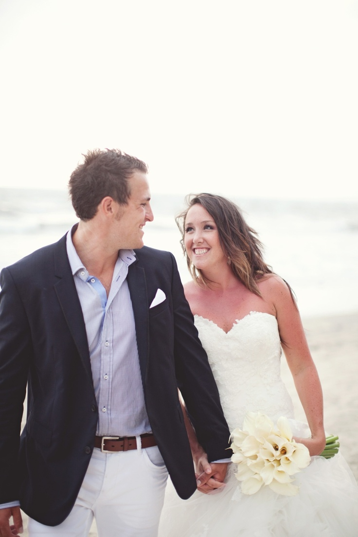 Bride and Groom on the beach in Mexico - Brandon Scott Photography