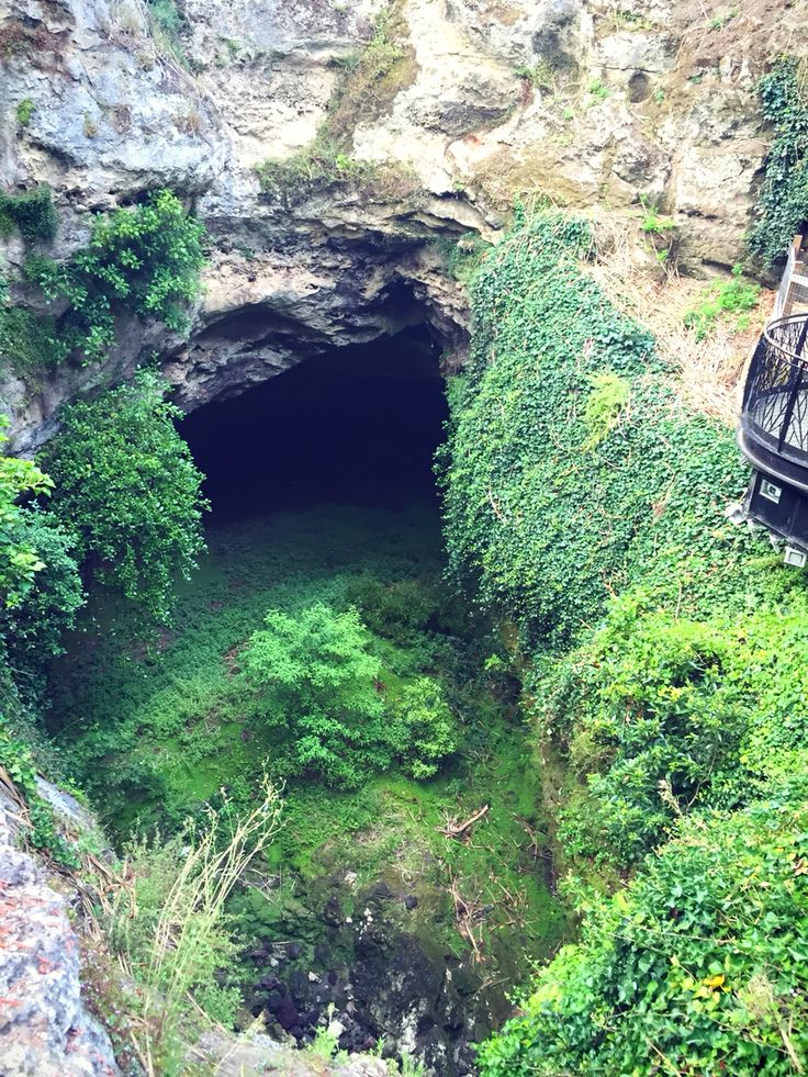 The garden cave, mt gambier