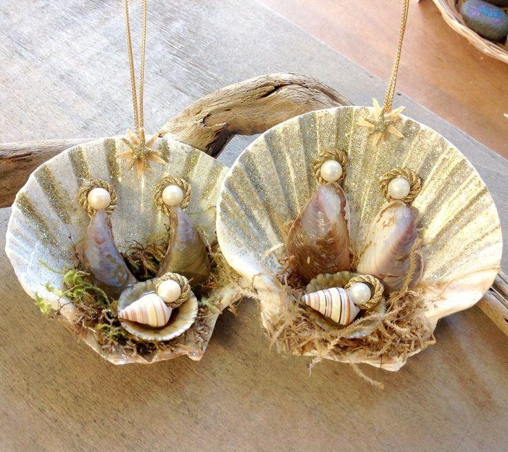 Mussel Shell Manger Scene