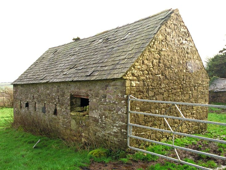 Google Image Result for http://www.selectstone.com/wp-content/gallery/historic-masonry-ireland/ireland-0038.jpg: Barns Farms Tractors, Stones Cottages, Barnsgrain Elevatorssilo, Amazing Barns, Stones Barns Ireland, Stones Building, Barns Beautiful, Slate Roof, Irish Barns