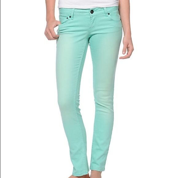 Shop Women's Zumiez Green size 3J Skinny at a discounted price at Poshmark. Description: 🌺Zumiez empyre mint green jeans 🌺 pet and smoke free home 🌺 worn a lot but in good condition. Sold by fatecupcake. Fast delivery, full service customer support.