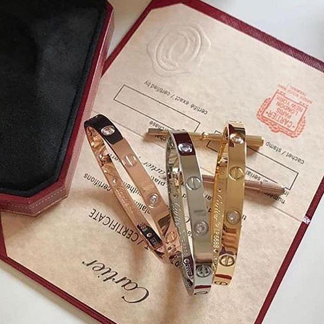 كارتير مقاس السعر مع الملحقات 200 السعر بدون الملحقات160 هانده ارچل Fashion كارتير مقاس السعر Cartier Love Bracelet Love Bracelets Cartier Love
