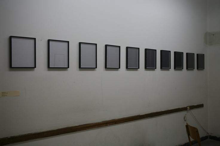 Shannon Eb ner Notebook Pages, 2009 10 c-prints, 33×26 εκ. το καθένα Παραχώρηση Ιδιωτικής ΣυλλογήςΦωτογράφιση Μαργαρίτα Μυρογιάννη