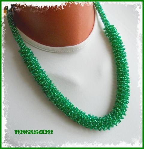 Borzoska fűzöld színben - nyaklánc