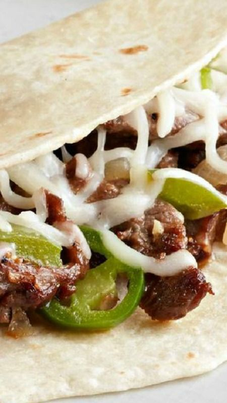 Steak, Bacon and Veggie Tacos ~ Beef skirt steak, bacon, and crunchy peppers make these spicy tacos a dream for meat-fans and veggies-fans alike!