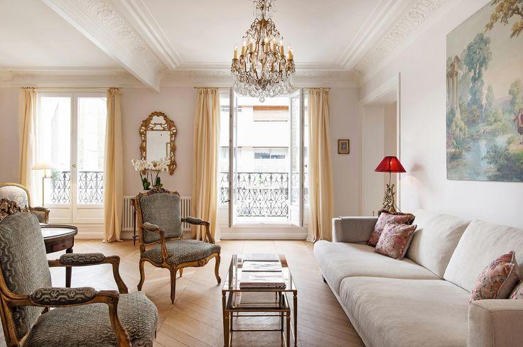 A Chic & Simple Parisian Vacation Apartment