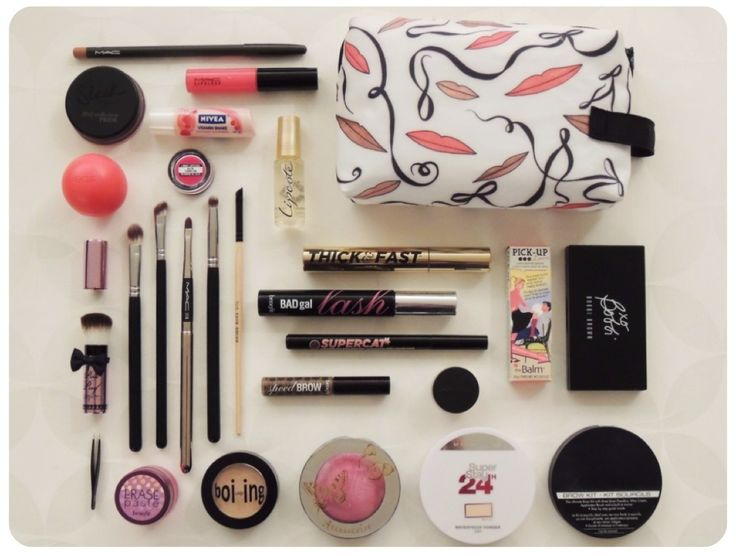 The Makeup Honey Blog: What's in My Makeup Bag