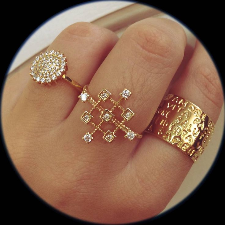 #like4like #likes #paulaferreira #semijoia #fashion #for #today #style #me #love #selfie #boho #art #news #instalike #instamood #special #modern #urban #night #city #polaroid #color #diamonds #stars #tbt #jewelry #cool #small #rings