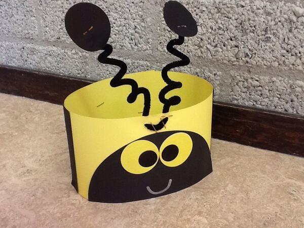 * Leuke bijenmuts, ook te gebruiken bij spel!