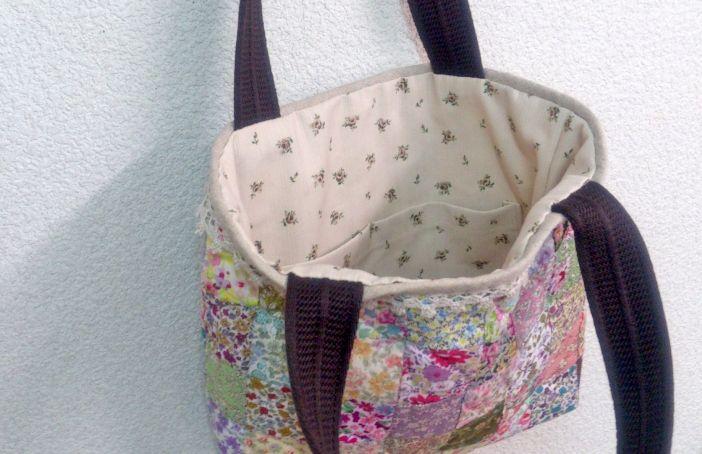 小花プリントのバッグ | 手作りパッチワークキット ハワイアンキルトの ...