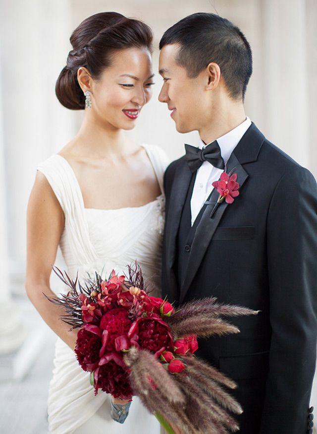 Wedding Bouquet of the Week ~ we ♥ this! moncheribridals.com
