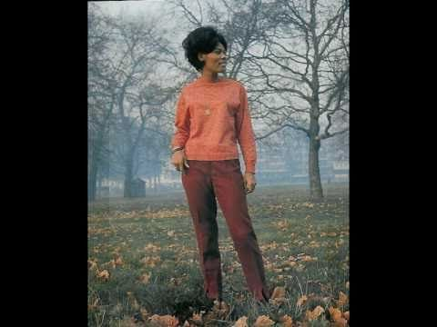 DIONNE WARWICK ~ Theme from The Valley of the Dolls. 1968 million seller.