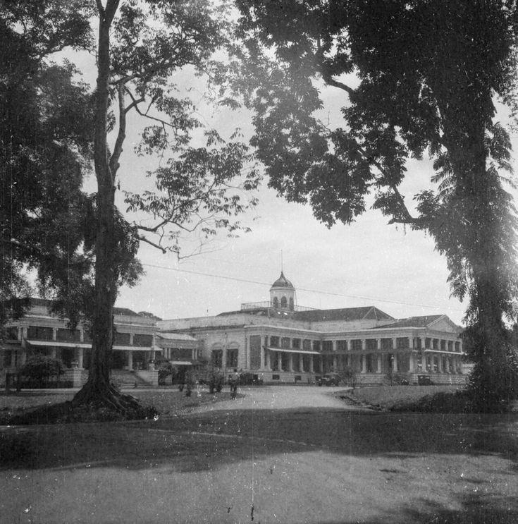 Paleis Gouverneur-generaal. Buitenzorg. 1947