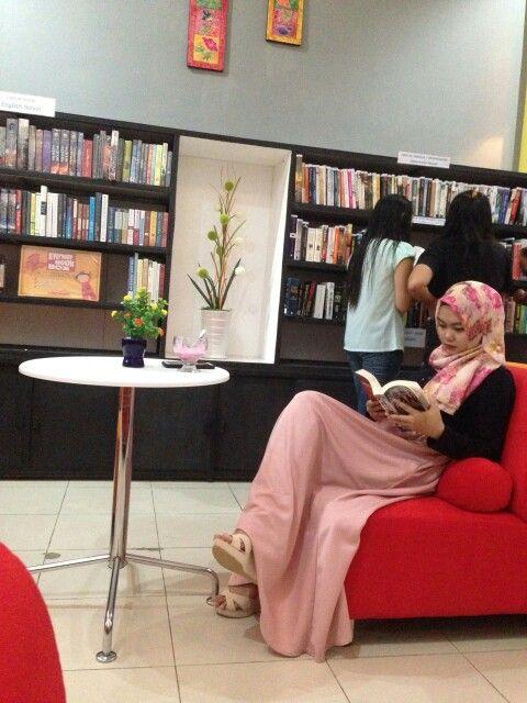 book cafe; balikpapan