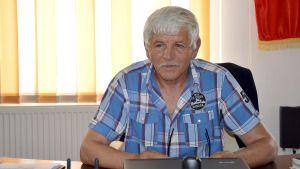Constantin Tabacu, primarul comunei Vârvorul de Jos, este unul dintre cei mai longevivi edili din judeţul Dolj. După 22 de ani de administraţie, şase ani înainte de 1989, şi 16 după Revoluţie, Tabacu a reuşit să atragă fonduri europene în valoare de peste 6 milioane de euro. În 16 ani de mandat, Constantin Tabacu a […]