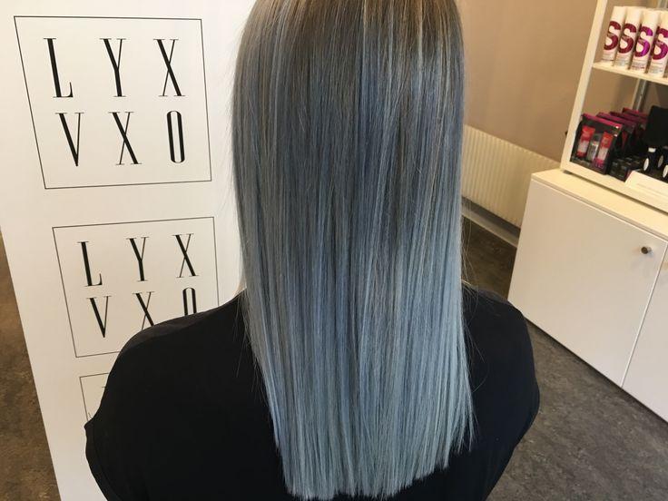 Kall metallisk grå hårfärg