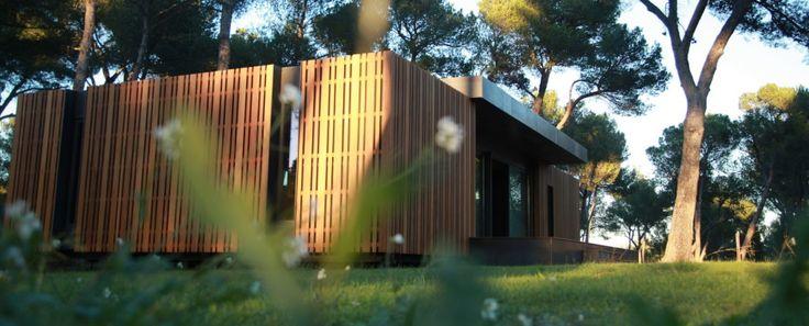 Facil, rapido, de bajo costo, modular, bajo impacto ambiental. Una elegante casa en menos de una semana! Una empresa de diseño de Marsella quiere incentivar a que cada persona construya su propia …