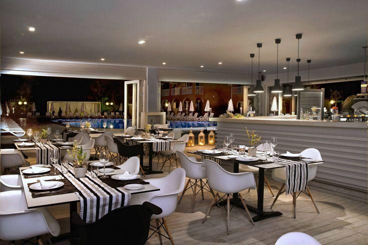 #IlPirataRestaurant by night... What do you think? #CapoDiCorfu #MayorCapoDiCorfu