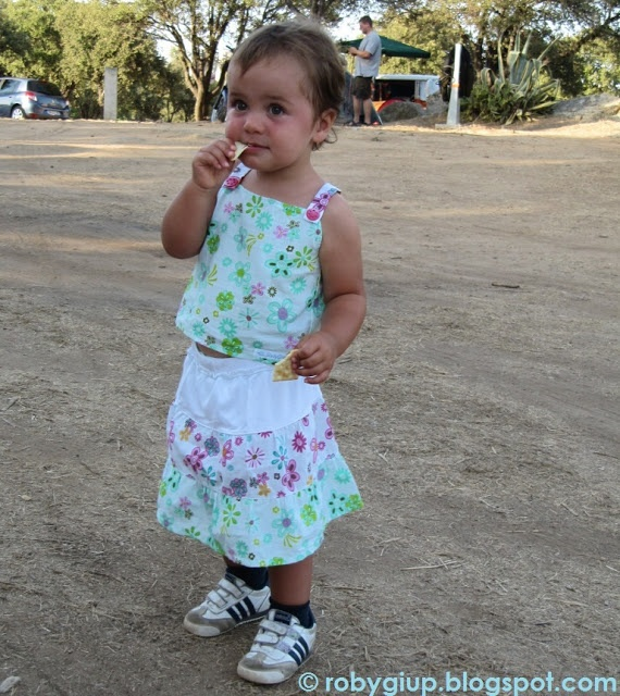Completino da bimba con top e gonnellina - Girl set with top and skirt