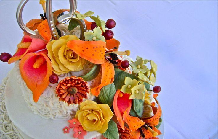 Buttercream wedding cake; round wedding cake; gum paste flowers; fall wedding cake; rose wedding cake