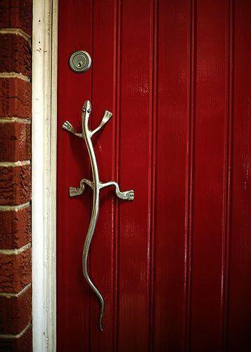 lizard door handle!