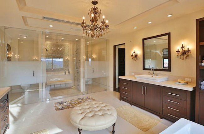 A look into one of the nine perfect bathrooms.  Source: Trulia