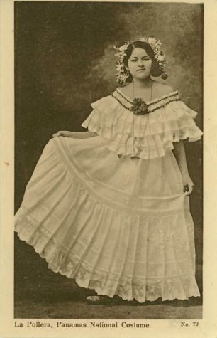 Photograph of a woman wearing the traditional folkloric dress, a Pollera.