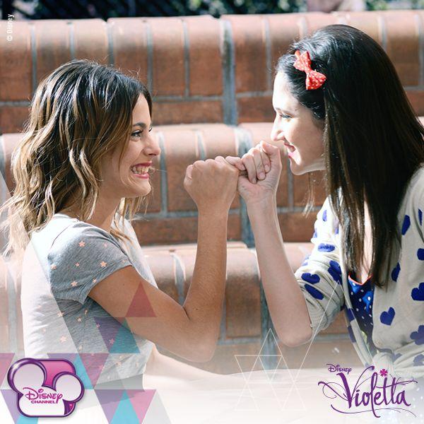 Vilu y Fran #Violetta #TiniStoessel #LodovicaComello