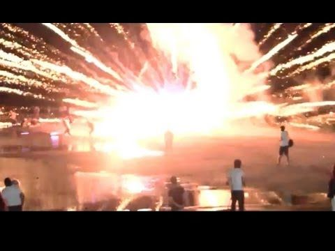 Funny Firework Fails/Feuerwerk Unfälle 2013 - YouTube It honestly looks like Harry Potter is going on here.