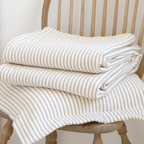 Couvre-lit et housse de coussin rayures - 39,90 à 179$