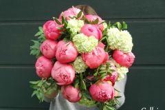 bouquet de pivoines ... rien de tel pour un mariage romantique ;)