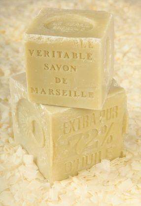 Faire de la lessive au savon de Marseille - Recette de grand-mère