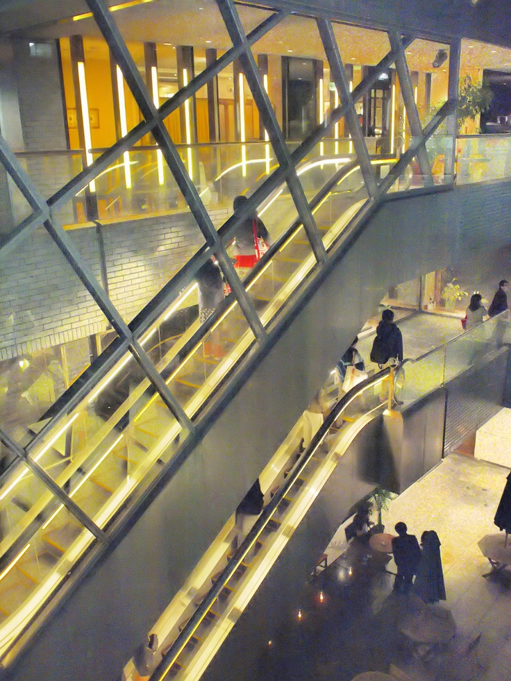 escalator @ Roppongi