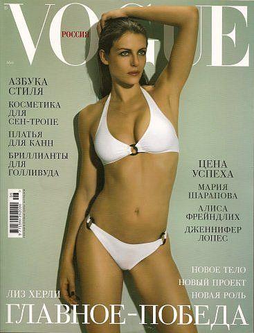 Elizabeth Hurley, photo by Sofia Sanchez & Mauro Mongiello, Vogue Russia, May 2005