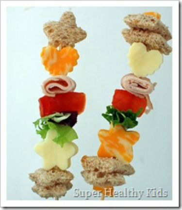 Sandwich kabobs! Fun twist on a classic, and perfect for the kids who like things separate anyway. #lunch #backtoschool