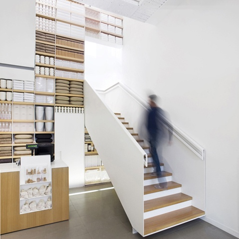 muji shop     italy      by architect roberto murgia.