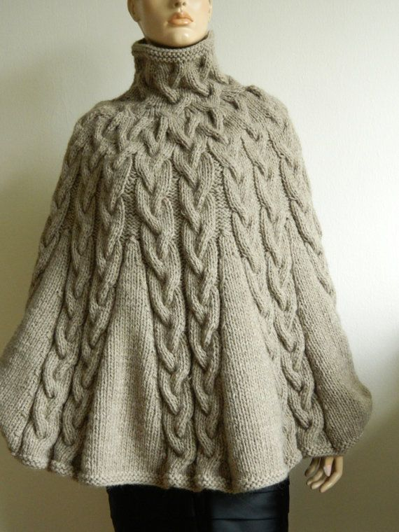 Knitting Pattern For Poncho With Sleeves : Meer dan 1000 idee?n over Gebreide Poncho op Pinterest ...