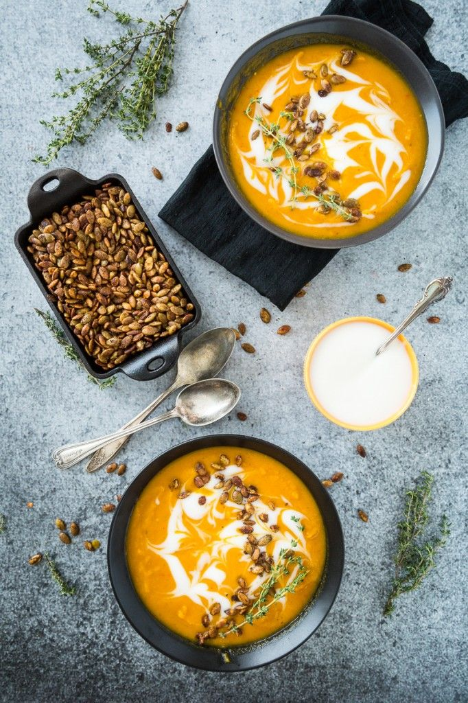 Harissa-Roasted Butternut Squash Soup with Spicy Toasted Pepitas #Vegan #GlutenFree   Keepin' It Kind