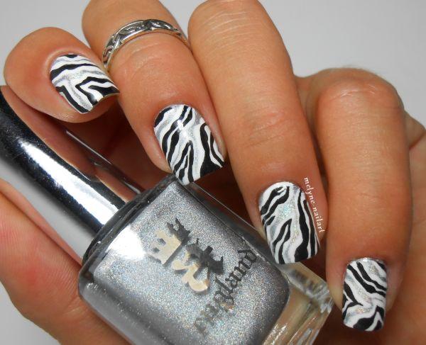 Nailstorming #59 BLACK & WHITE http://melyne-nailart.com/2014/06/01/nailstorming-59-black-white/
