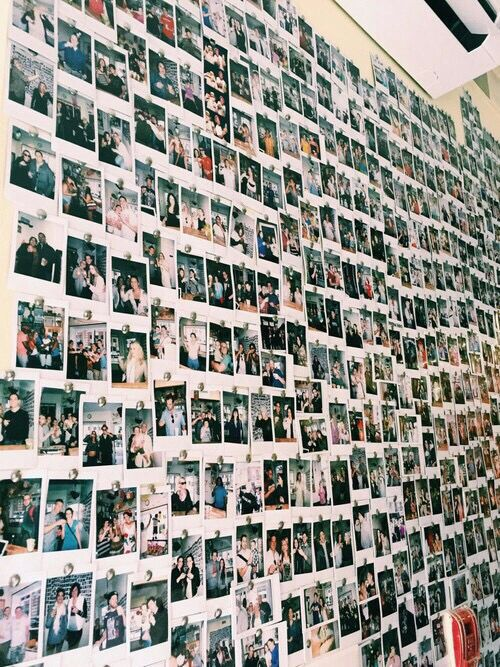 25 best ideas about polaroid wall on pinterest polaroid - Mur photo polaroid ...