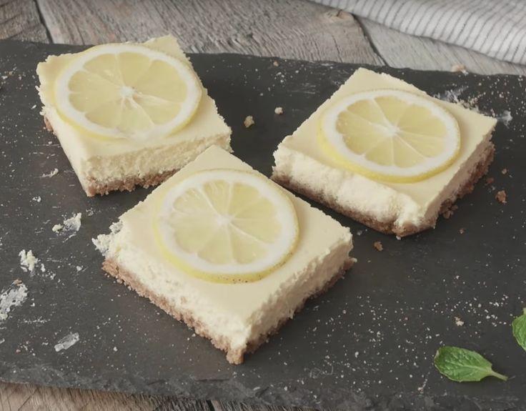 ケーキの型、不要!食感と酸味が心地良い「レモンチーズバー」の作り方